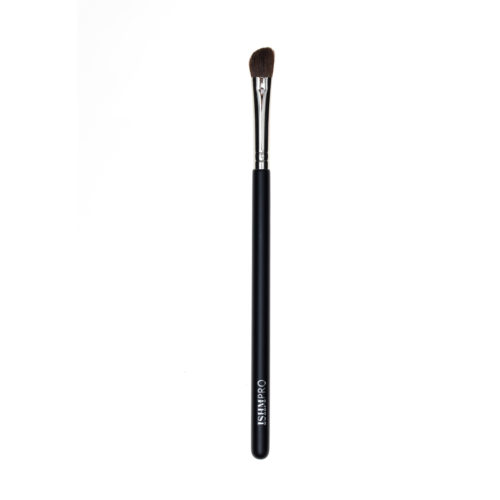 The Angled Eye Contour Brush